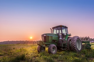 photo of tractor to indicate farm and ranch commercial insurance